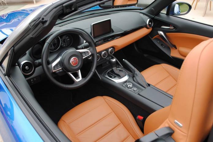 Fiat 124 Spider (12)