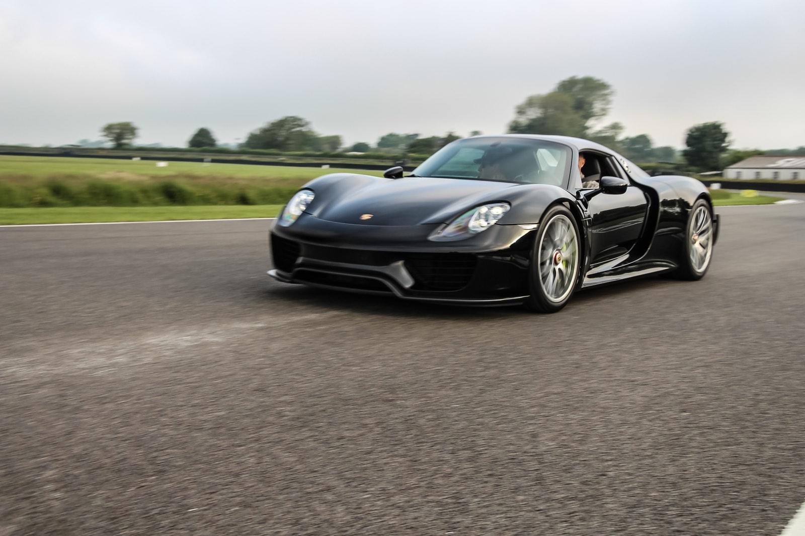 Goodwood Breakfast Club 2016 Full Throttle Porsche 918 Spyder Black