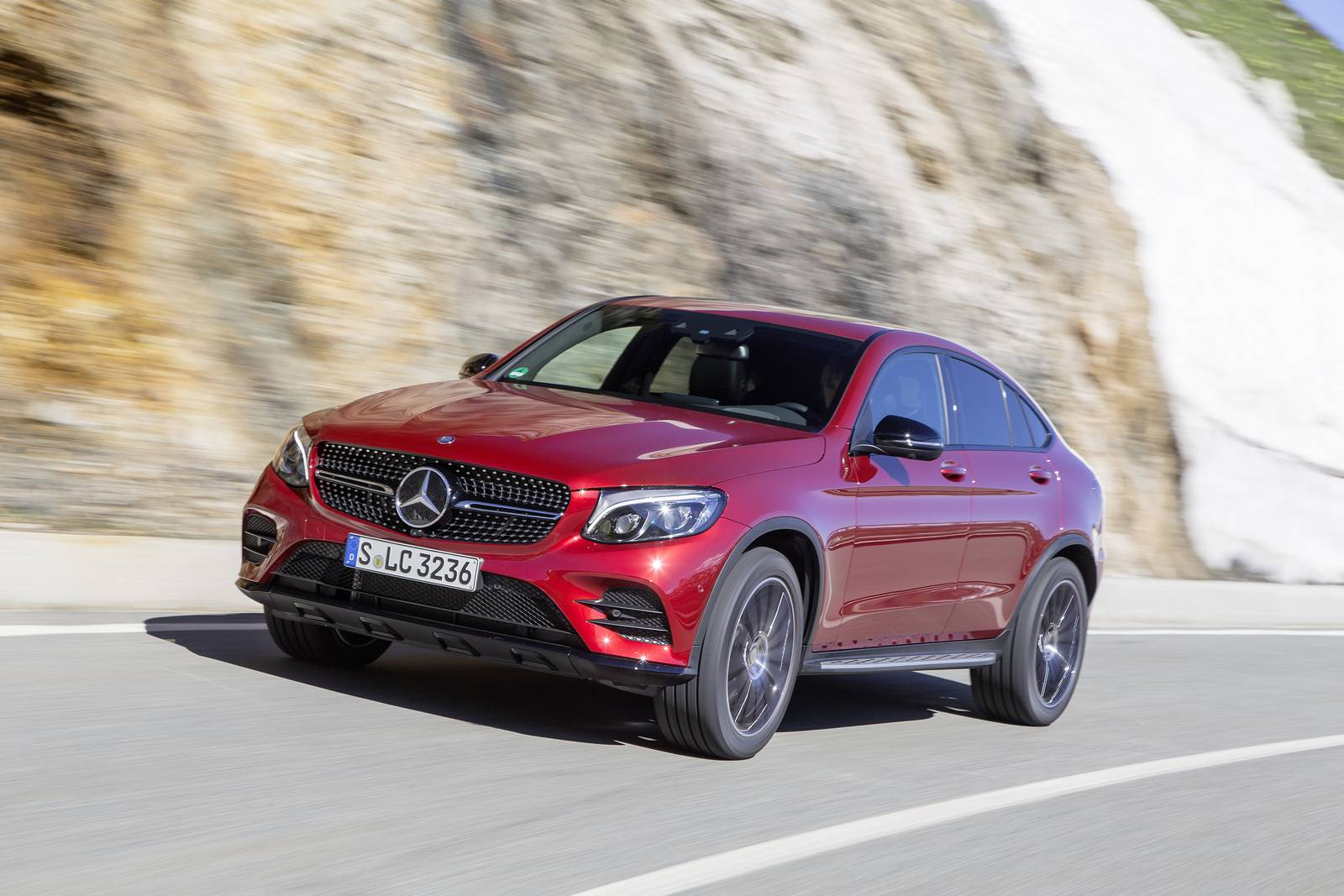 2017 mercedes benz glc coupe review gtspirit. Black Bedroom Furniture Sets. Home Design Ideas