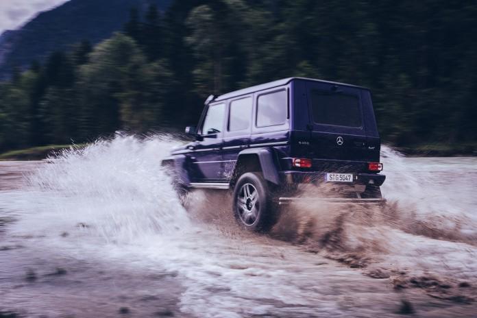 Mercedes-Benz G500 4x4² in action