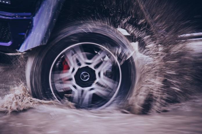 Mercedes-Benz G500 4x4² Wheel