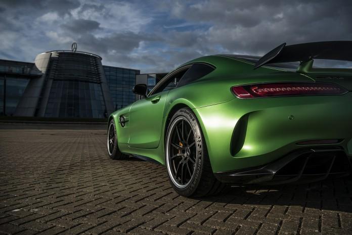 Mercedes-AMG-GT-R-00090