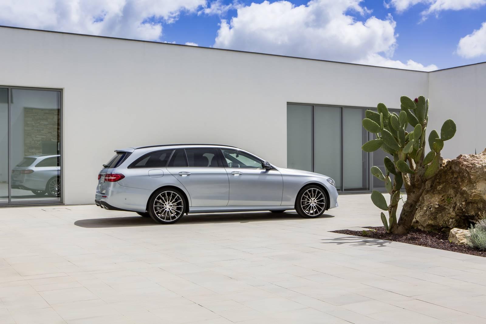 http://gtspirit.com/wp-content/uploads/2016/06/Mercedes-Benz-E43-Estate-31.jpg