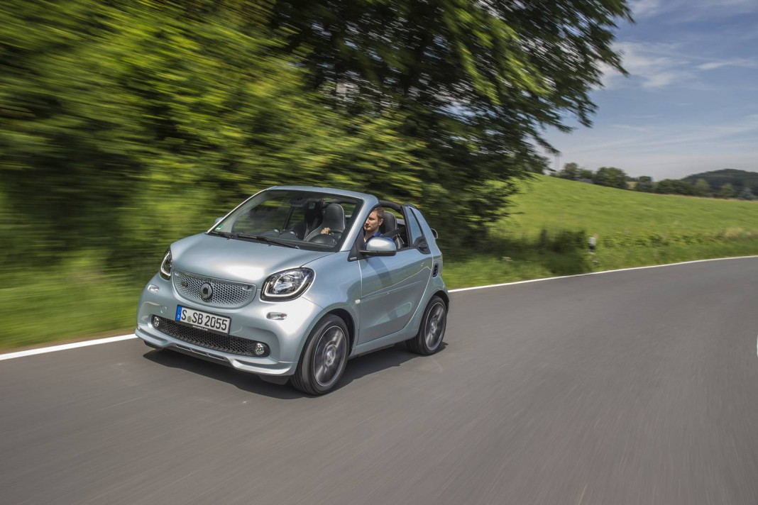 2017 smart brabus fortwo review gtspirit for Smart mercedes benz