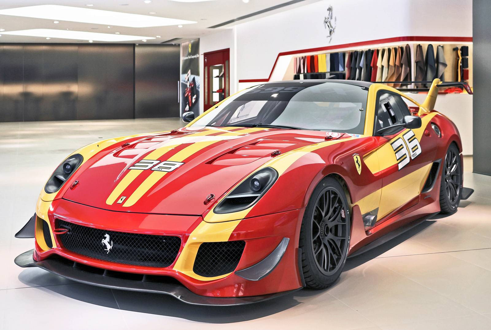 Ferrari Friday: Stopover of Special Ferrari 12-cylinder GT Range In
