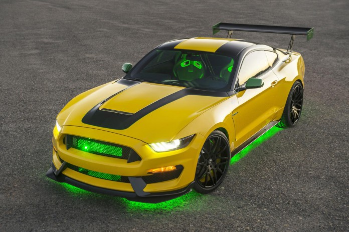 """Ford """"Ole Yeller"""" Mustang Shelby GT350 (1)"""