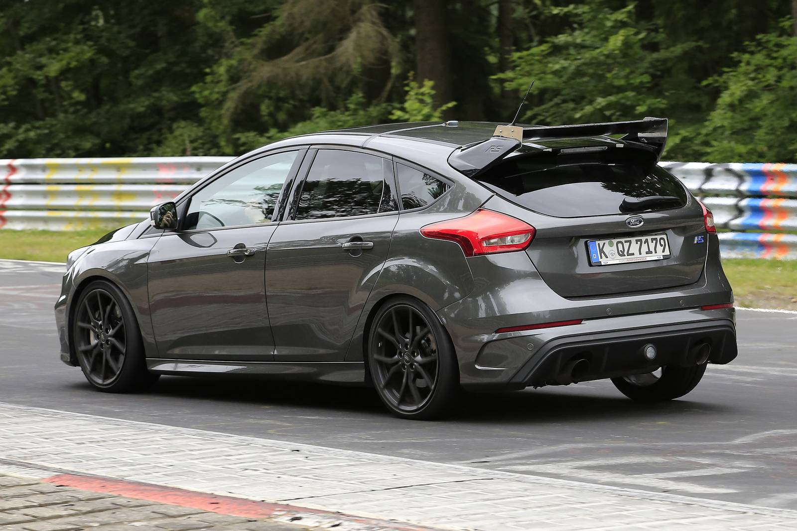 an even more hardcore ford focus rs500 latest spy shots gtspirit. Black Bedroom Furniture Sets. Home Design Ideas