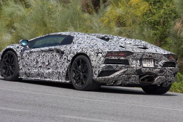 2017 Lamborghini Aventador Roadster Facelift