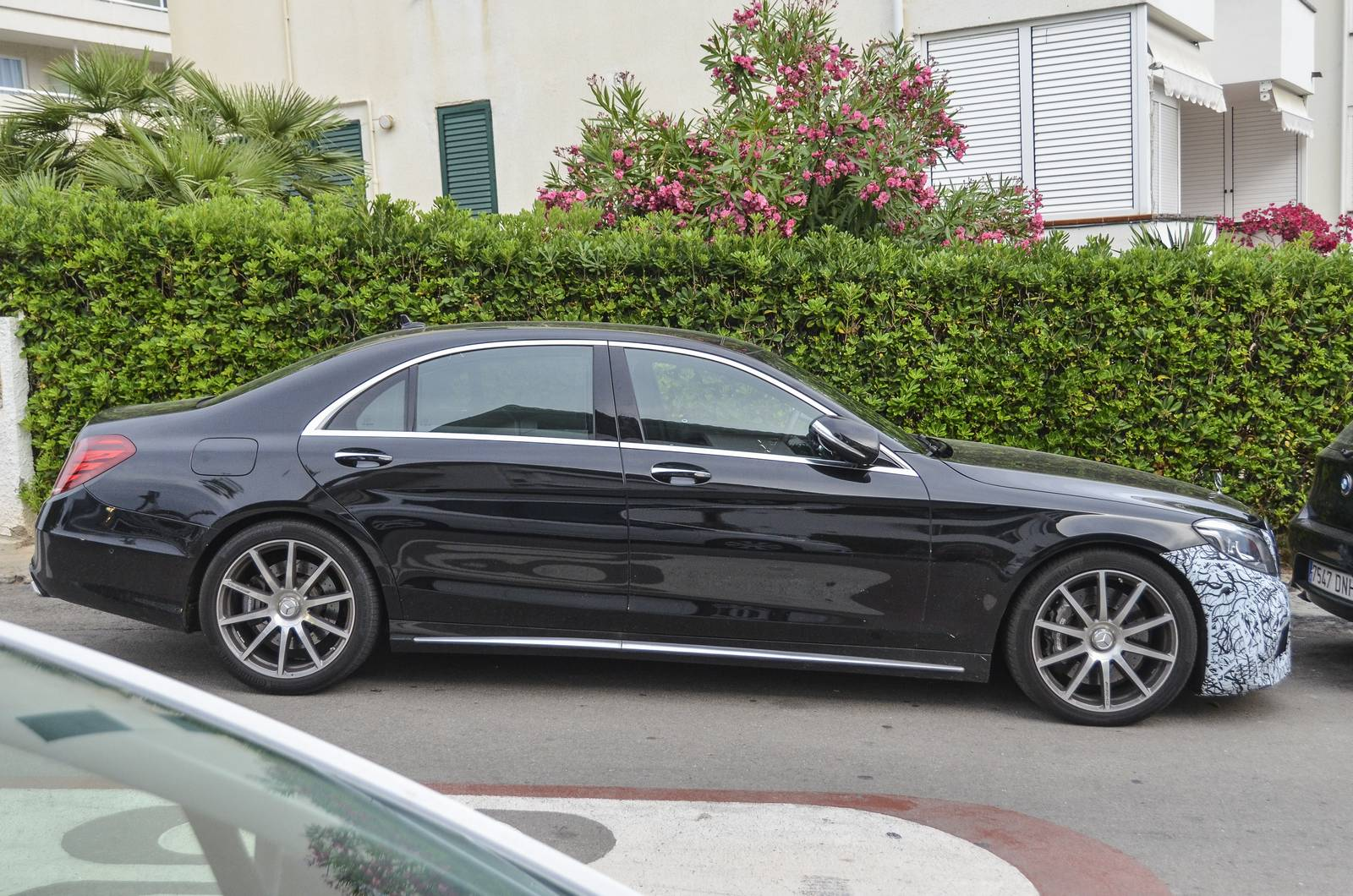 mercedes amg s63 facelift spy shots 600hp base power and more gtspirit. Black Bedroom Furniture Sets. Home Design Ideas