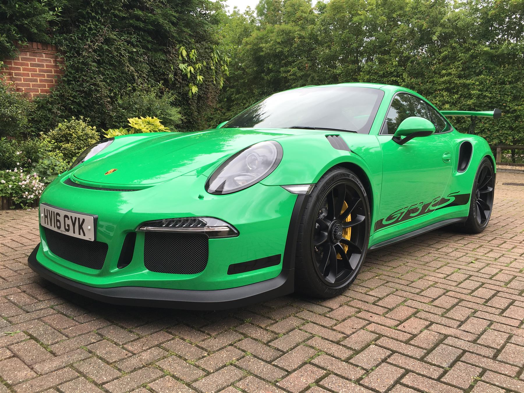 2016 rs green porsche 911 gt3 rs for sale at 321 000 in the uk gtspirit. Black Bedroom Furniture Sets. Home Design Ideas
