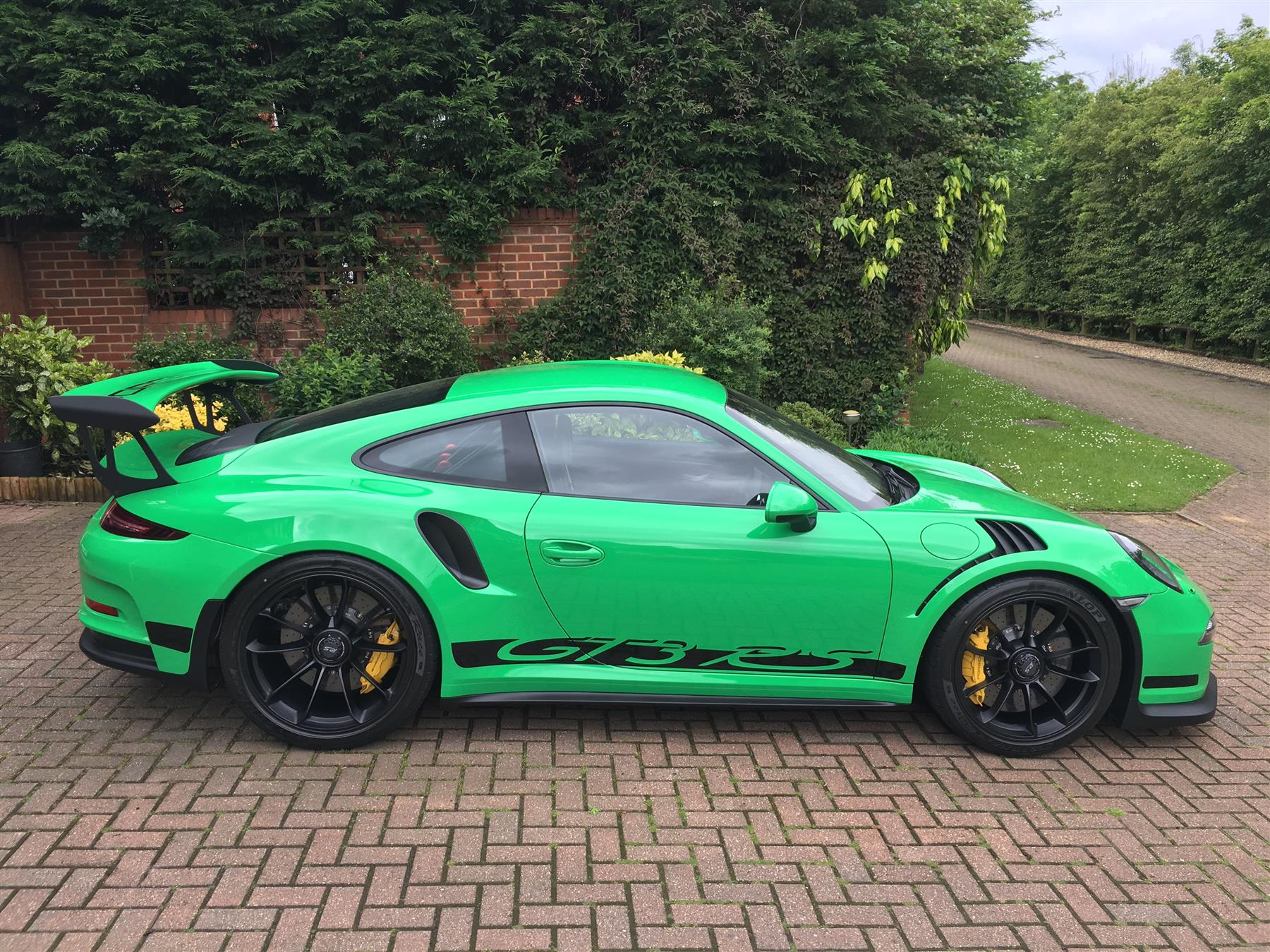 2016 Rs Green Porsche 911 Gt3 Rs For Sale At 321 000 In The Uk Gtspirit