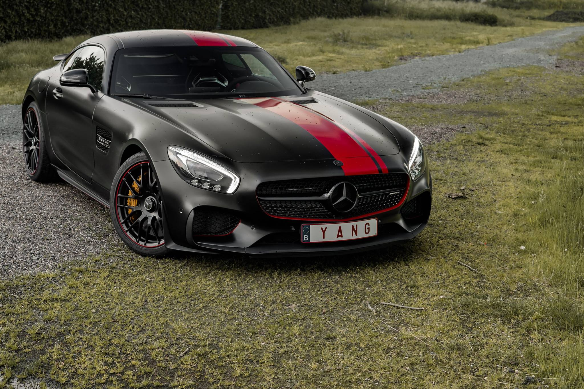 satin black mercedes amg gt s with dragon red stripes. Black Bedroom Furniture Sets. Home Design Ideas