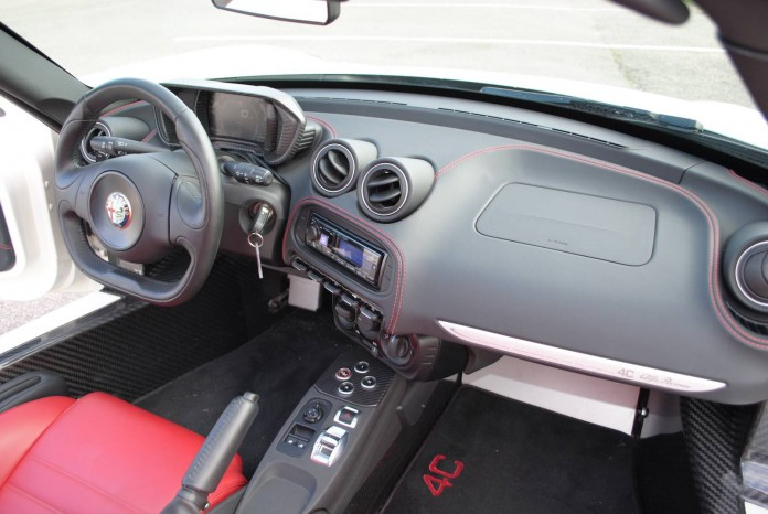 Alfa Romeo 4C Spider Interior and details (20)