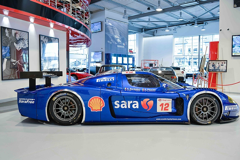 1 of 11 maserati mc12 gt1 for sale at 10 000 000 in the uk gtspirit. Black Bedroom Furniture Sets. Home Design Ideas