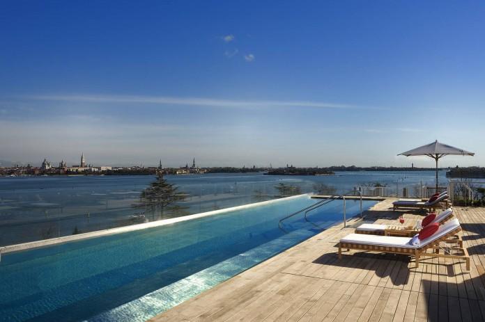 Rooftop_pool8