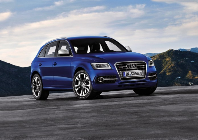Estoril Blue Audi SQ5