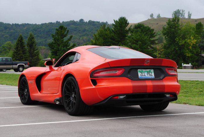 2016 Dodge Viper GTC (14)
