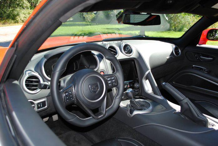 2016 Dodge Viper GTC Details (1)