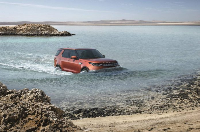 2017 Land Rover Discovery (39)