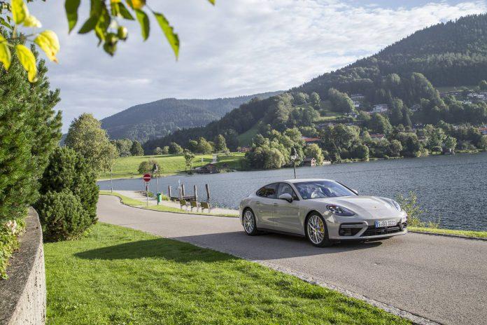 2017 Porsche Panamera Turbo (9)