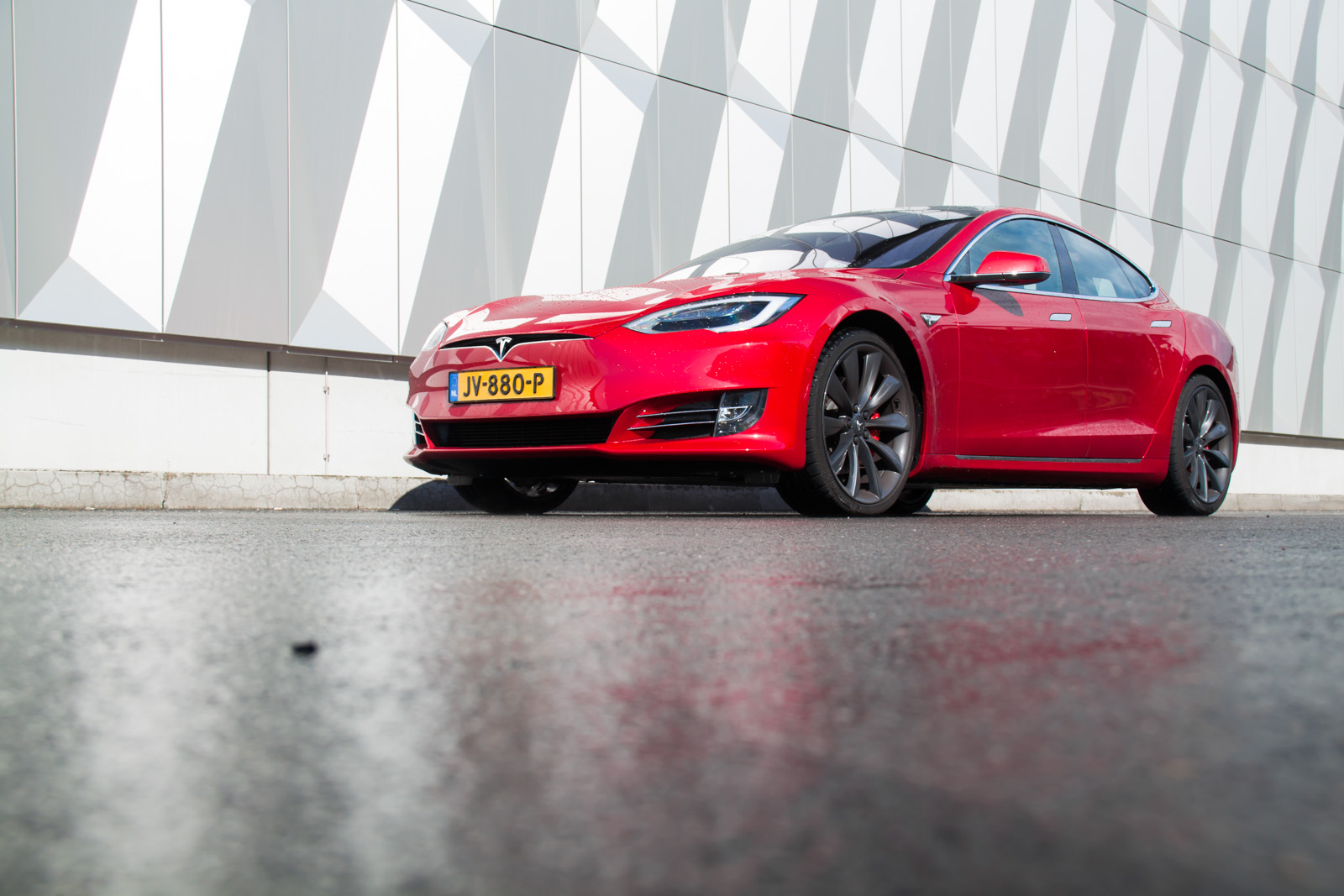 Destination Charging: Taking the Tesla Model S P90D Facelift to Berlin
