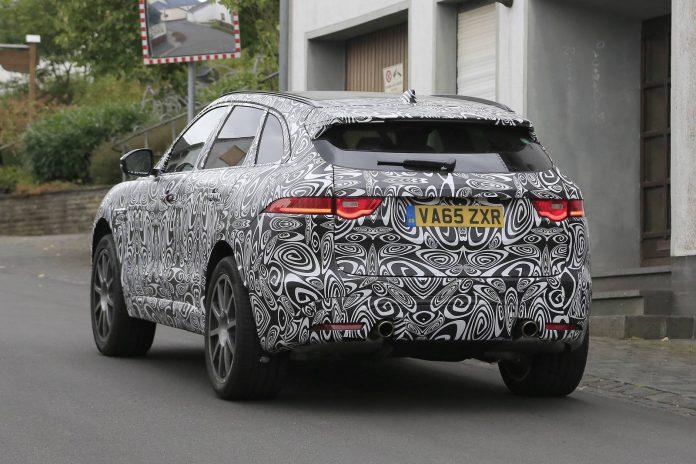 Jaguar F-Pace SVR (9)