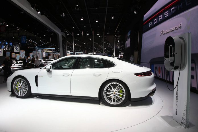 Porsche Panamera 4S e-Hybrid  (13)