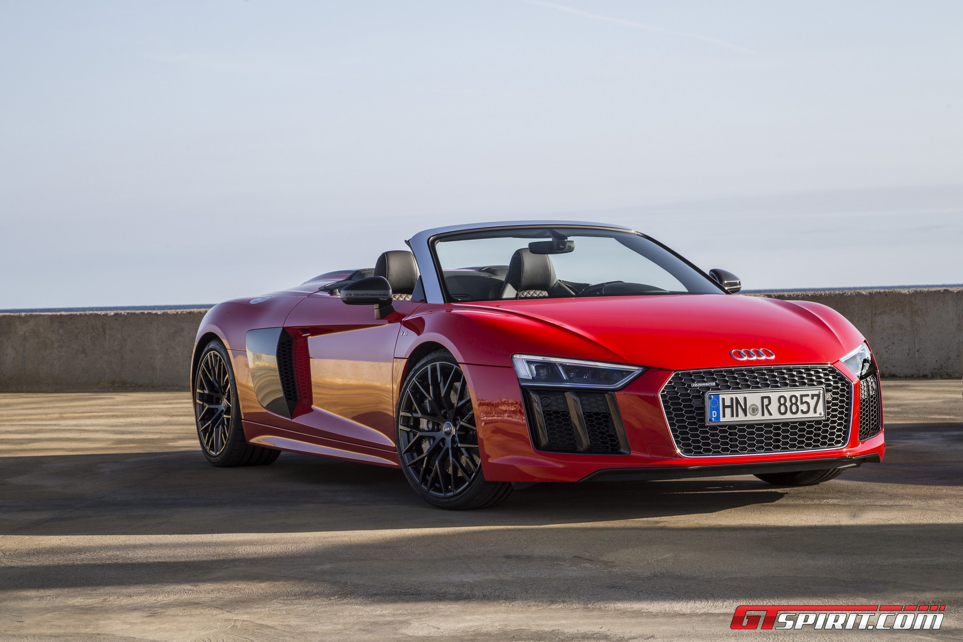 2017 audi r8 v10 spyder review gtspirit. Black Bedroom Furniture Sets. Home Design Ideas