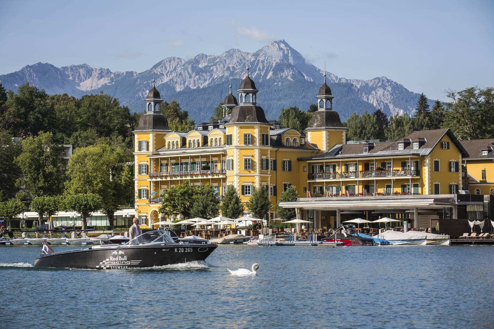 Hotel In Velden