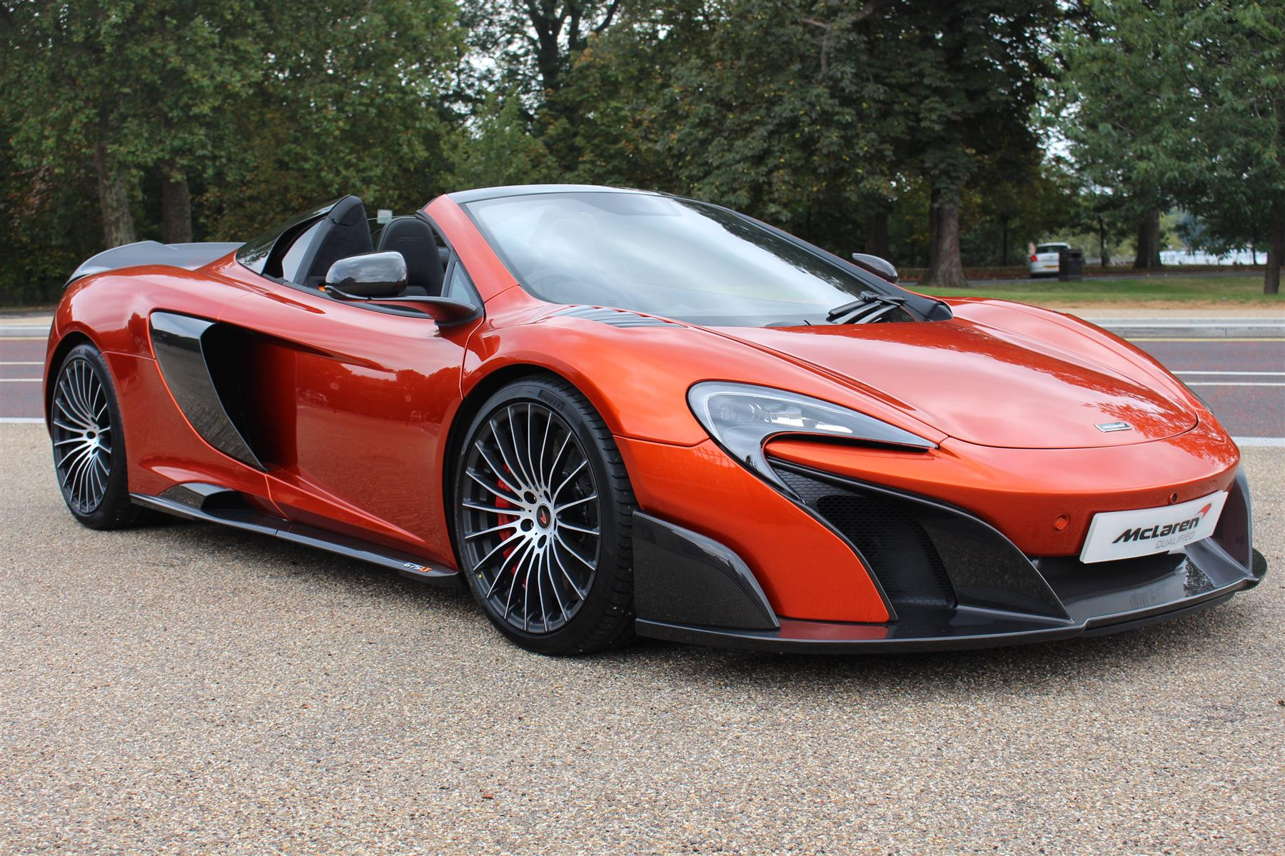 mso volcano orange mclaren 675lt spider for sale at 423 950 gtspirit. Black Bedroom Furniture Sets. Home Design Ideas