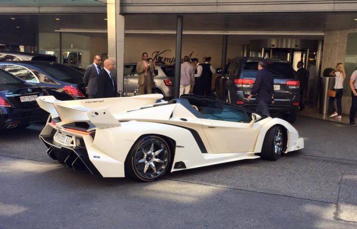 Bianco Isis Lamborghini Veneno Roadster chassis #7