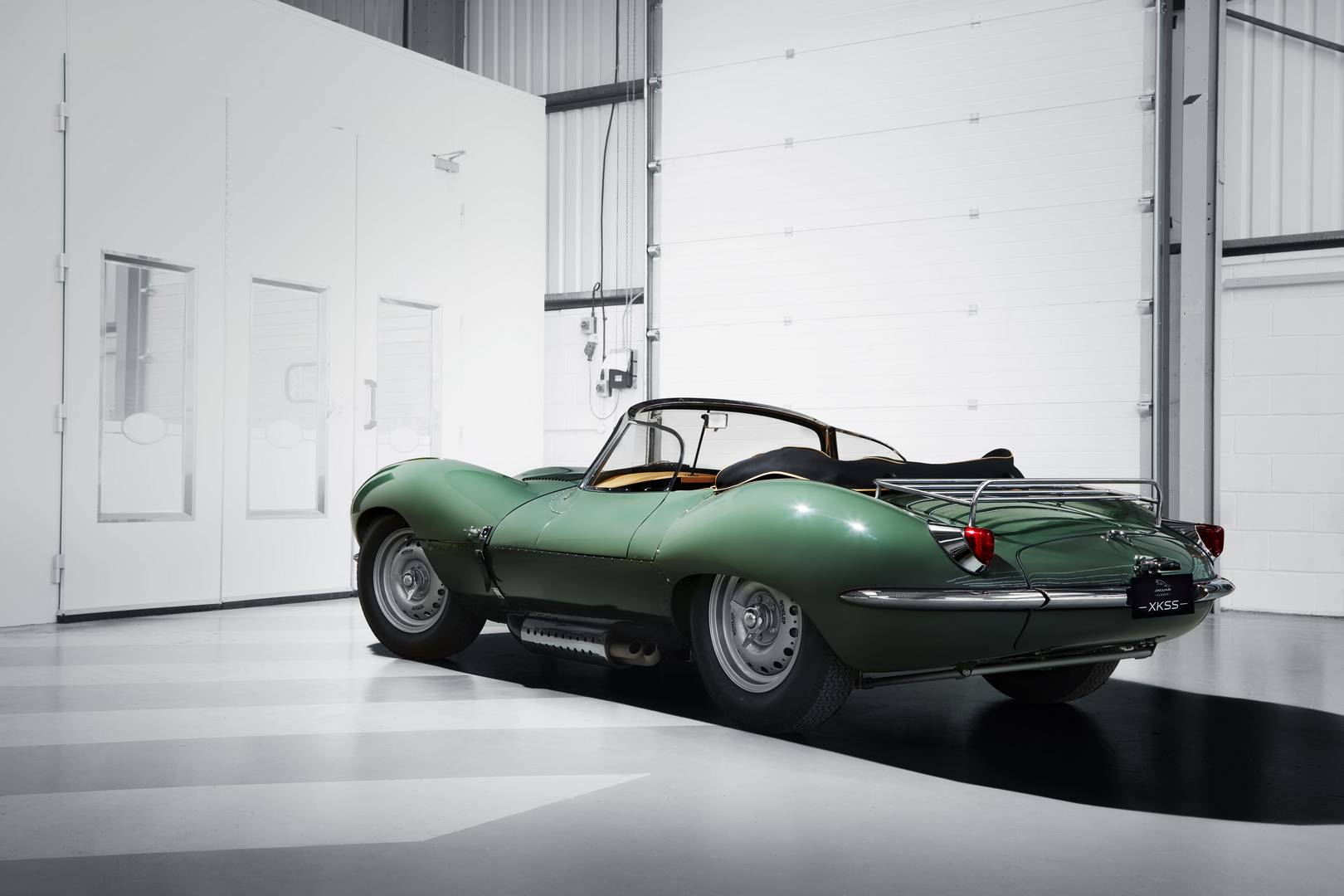 Iconic XKSS re-born 60 years later by Jaguar Classic division