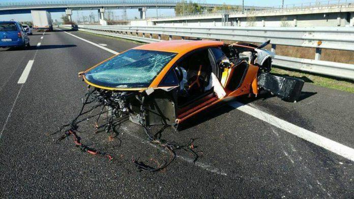 Lamborghini Aventador SV Torn Apart in High Speed Crash in Italy
