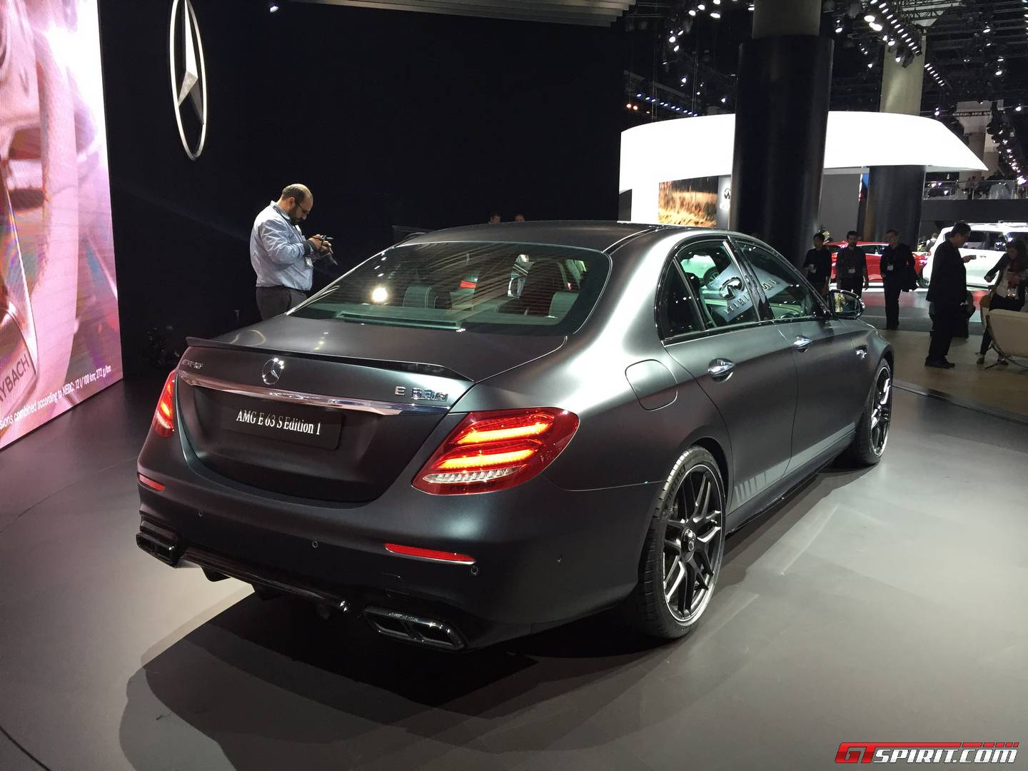 la auto show 2016 mercedes amg e63 s gtspirit. Black Bedroom Furniture Sets. Home Design Ideas
