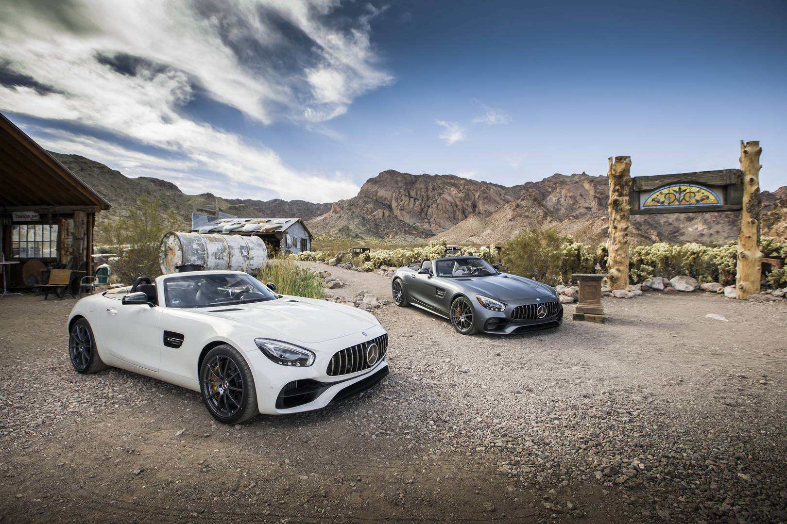 exclusive 2017 mercedes amg gt c roadster first impression review gtspirit. Black Bedroom Furniture Sets. Home Design Ideas