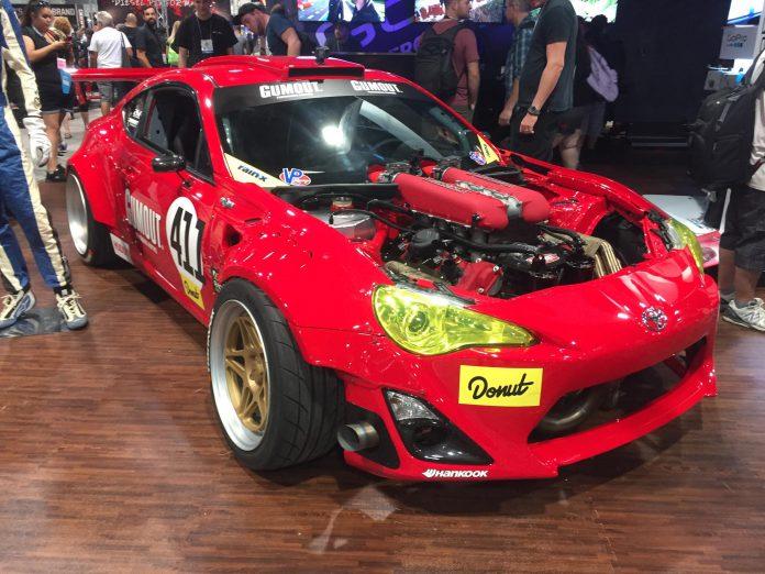 Toyota GT86 Ferrari 458 engine (6)