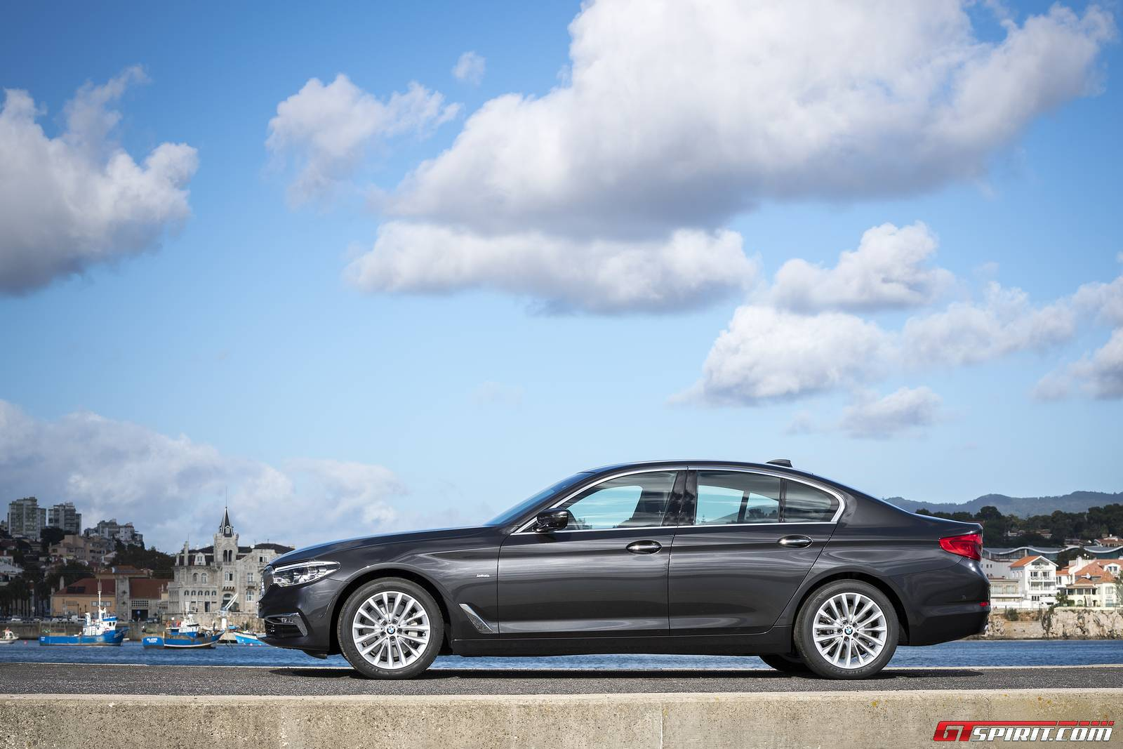 bmw 530d review the new bmw 5 series g30 gtspirit. Black Bedroom Furniture Sets. Home Design Ideas