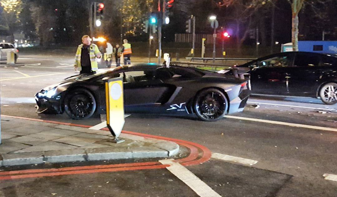 Student Crashes Lamborghini Aventador SV Roadster in London