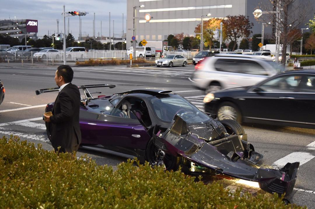 Pagani Zonda Zozo Crashes in Japan