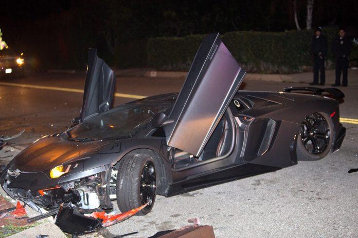 Chris Brown Lamborghini Aventador Crash (17)