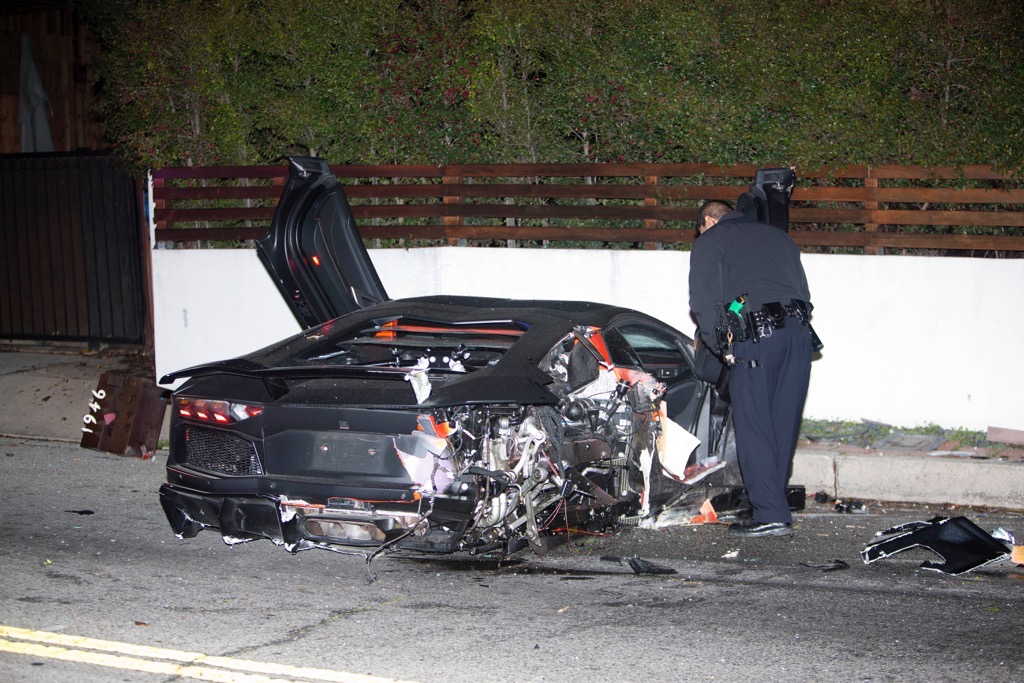 Chris Brownu0027s Lamborghini Aventador Crashed And Abandoned In Beverly Hills