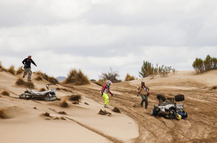 Ambiance crash during the Dakar 2017 Paraguay Bolivia Argentina, Etape 7 - Stage 7, La Paz - Uyuni on January 9, 2017 in Bolivia - Photo Frederic Le Floc'h / DPPI