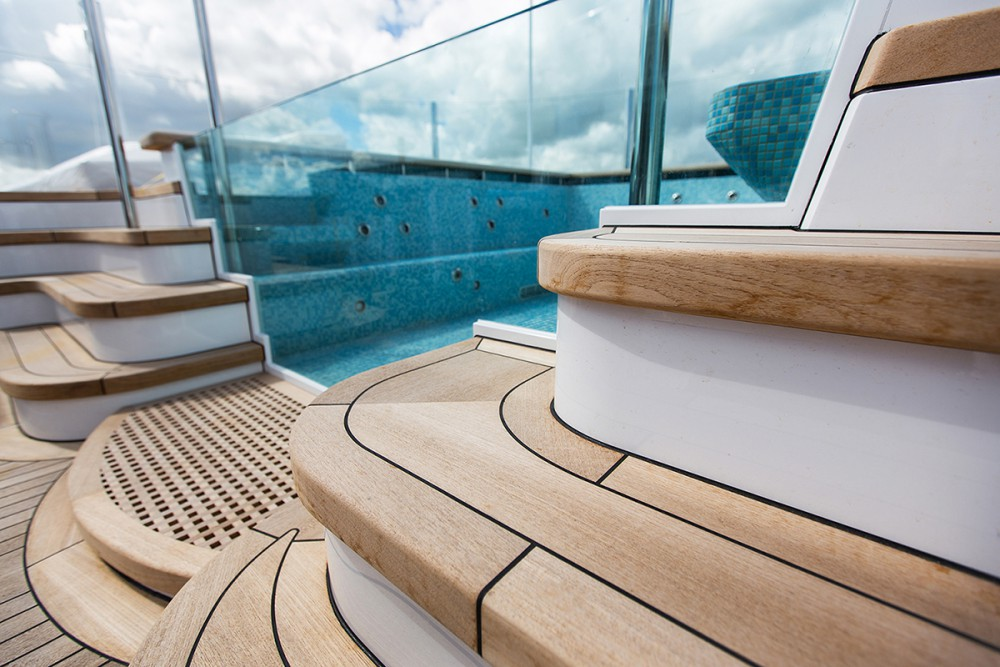 Superyacht Sunday: $150 Million Superyacht Aquila Owned by
