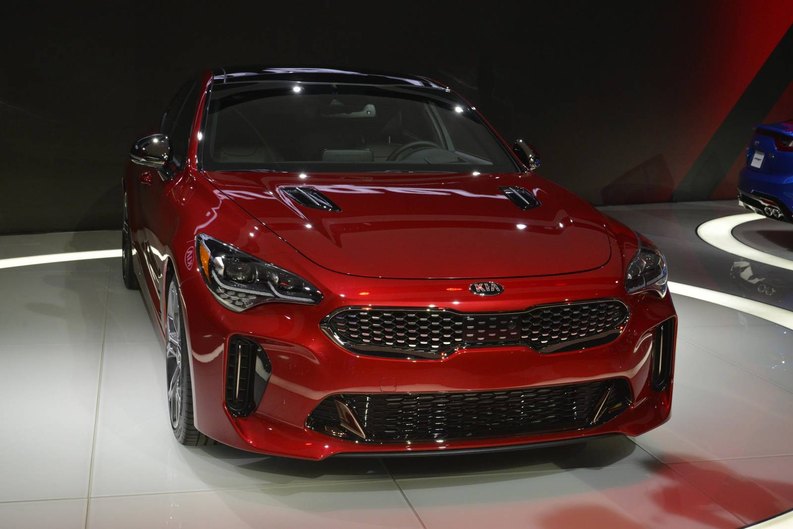 Detroit 2017 Kia Stinger Gt With 365hp Gtspirit