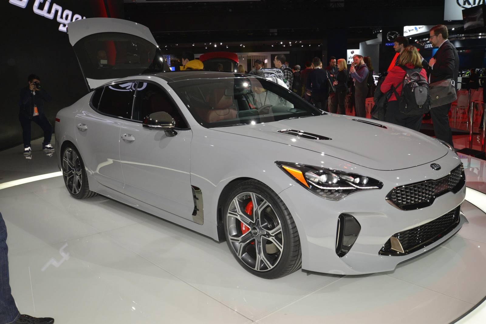 Detroit 2017 Kia Stinger Gt With 365hp