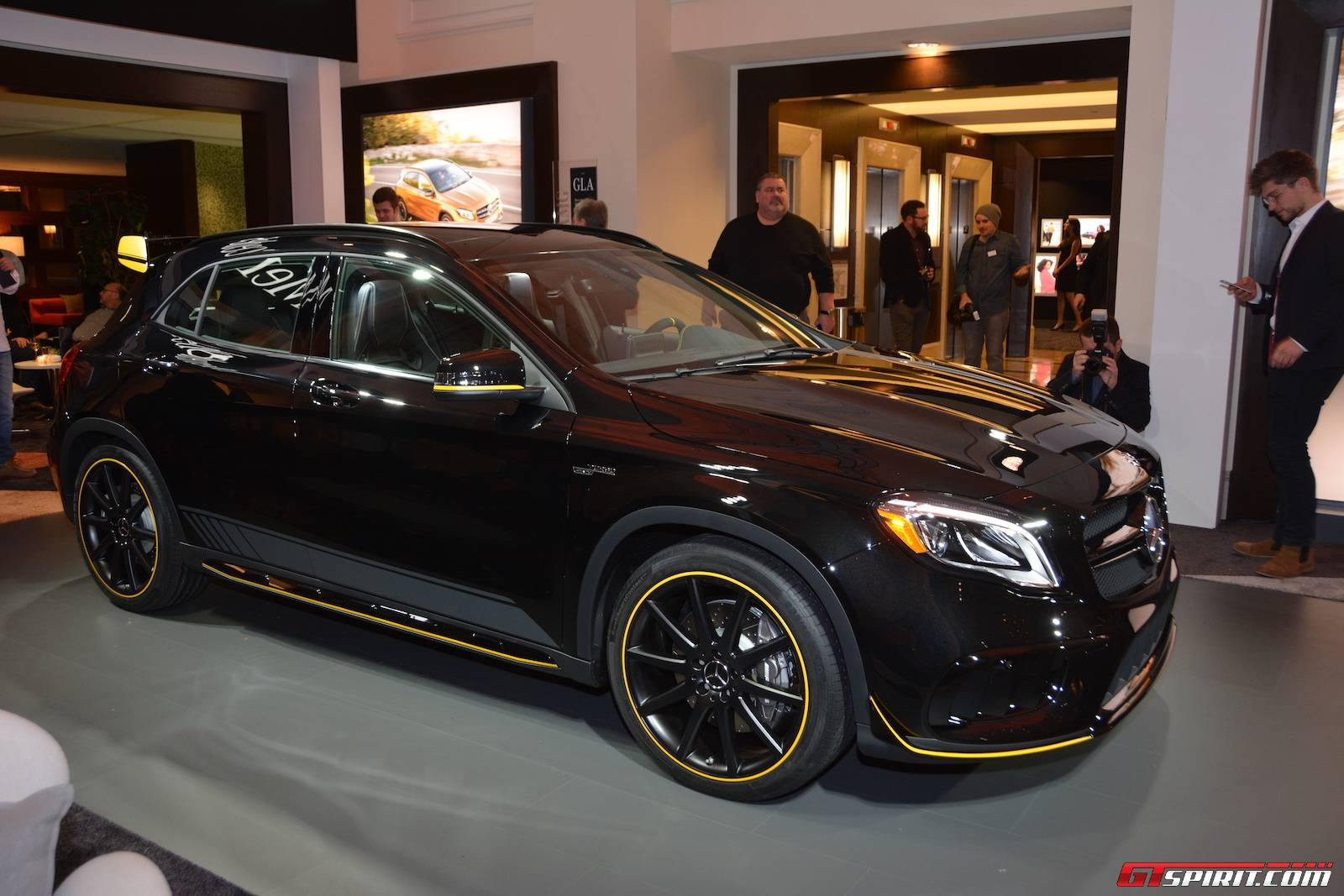 detroit 2017 mercedes amg gla 45 gtspirit. Black Bedroom Furniture Sets. Home Design Ideas