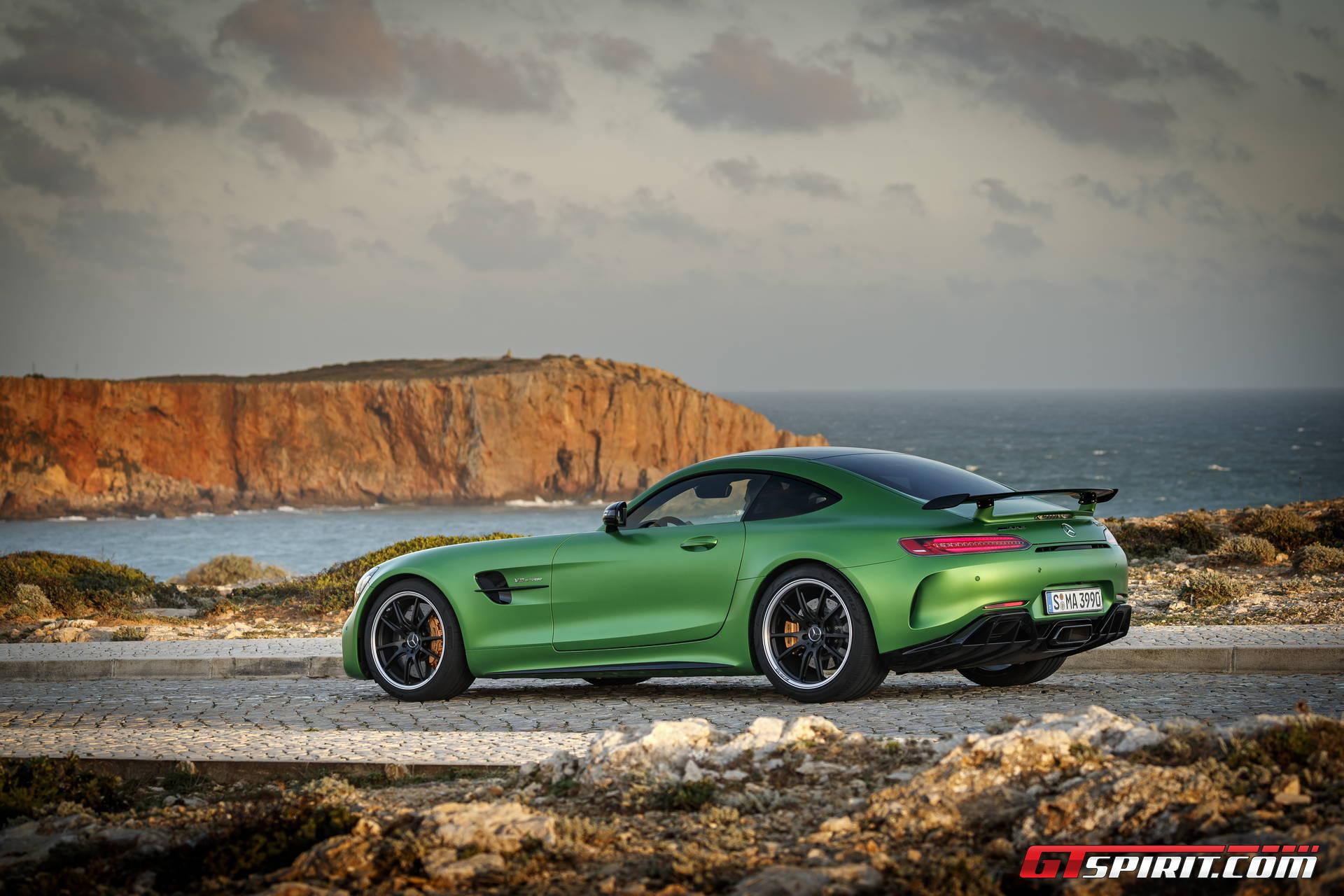 Mercedes amg gt r review gtspirit for Mercedes benz gtr amg 2017 price