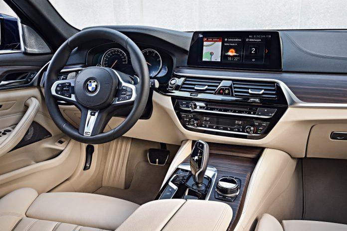 2018 BMW 530d Touring_ (53)