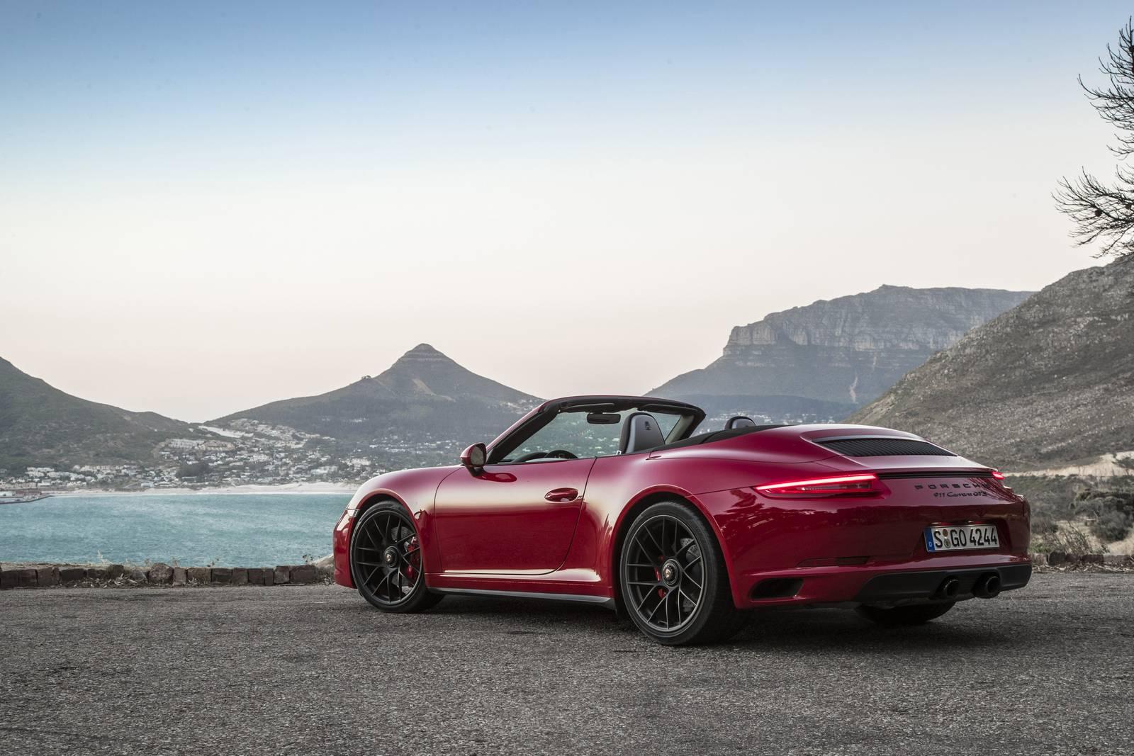 2017 porsche 911 carrera 4 gts review gtspirit. Black Bedroom Furniture Sets. Home Design Ideas