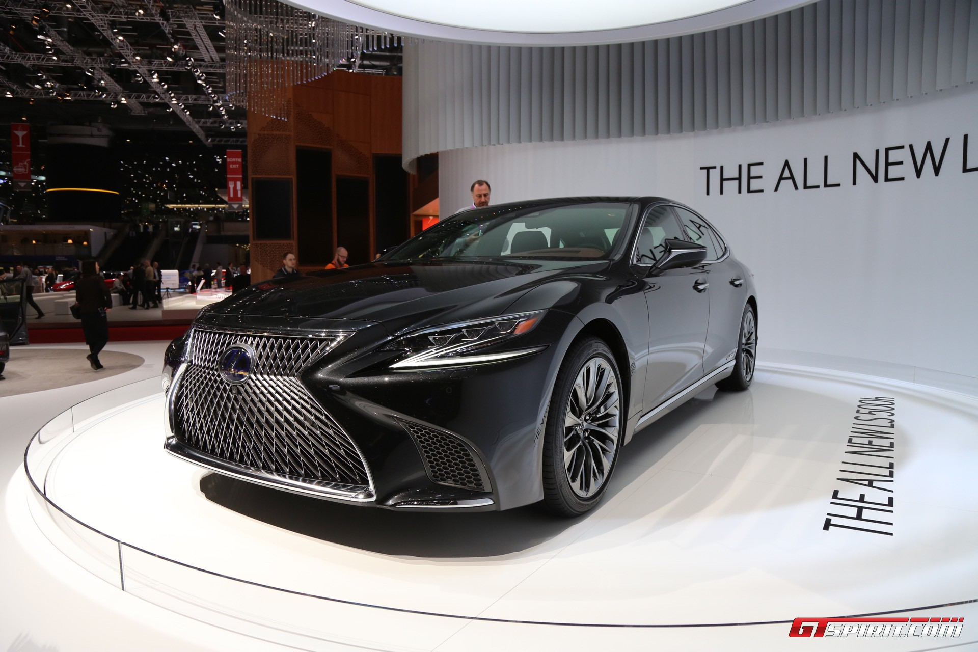Lexus LS 500h at Geneva 2017